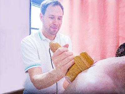 Behandlung mit der Dornmethode