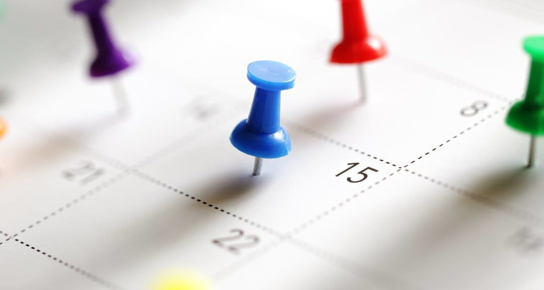 Kalender mit Pins